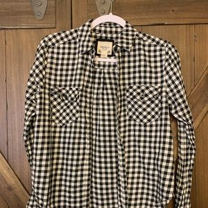 Forever 21 woman's small black and white flannel
